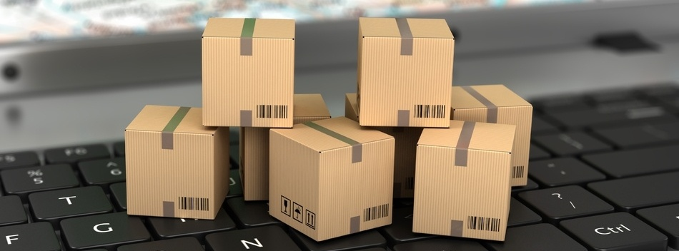 logistics-ecommerce-boxes-on-keyboard-400067-edited.jpg